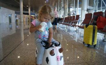 Выезд за границу ребёнка с бабушкой.