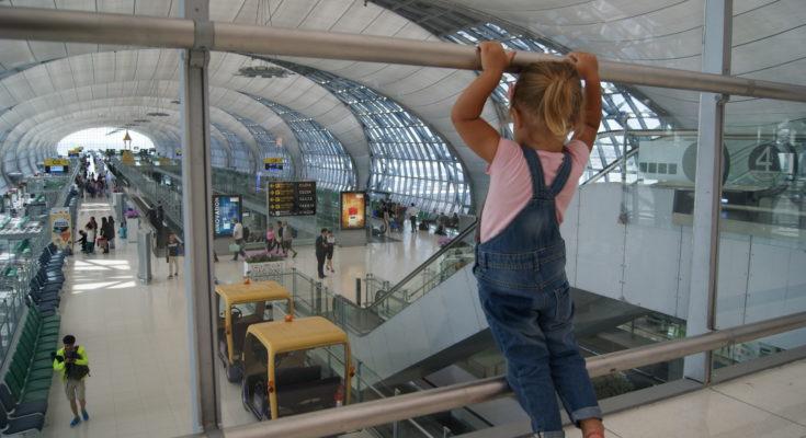 Как вывезти за границу ребенка.