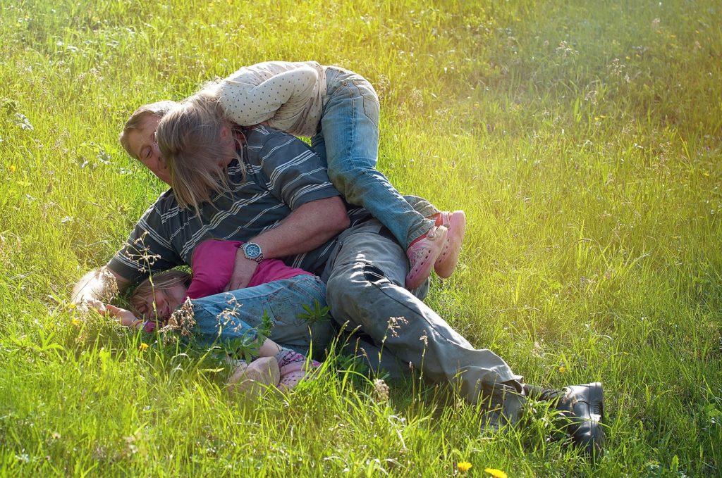 Можно ли отказаться от отцовства после усыновления