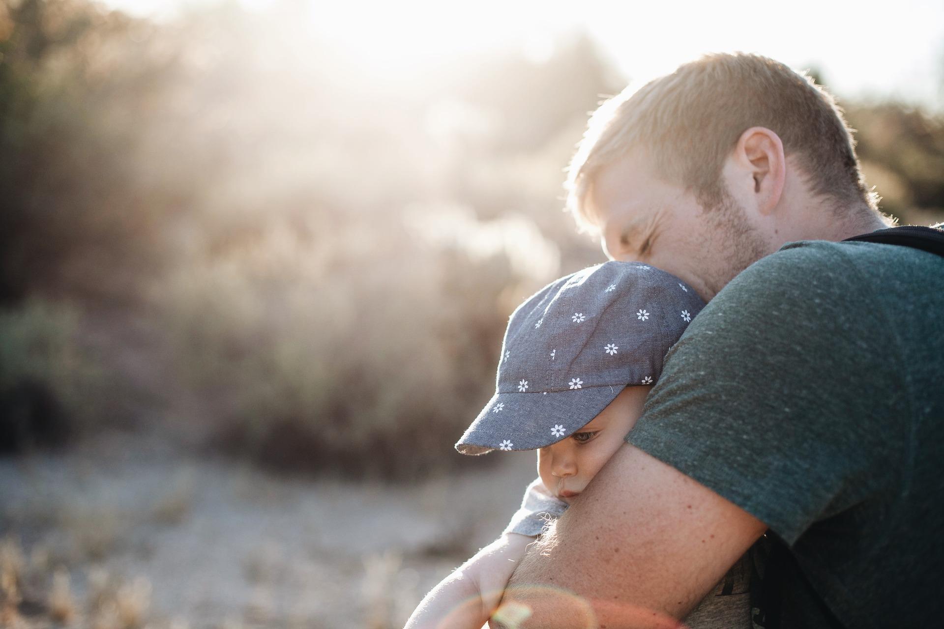 Материнский капитал отцу ребёнка: за второго, третьего в 2020.