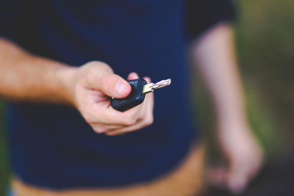 При разводе как делится автомобиль