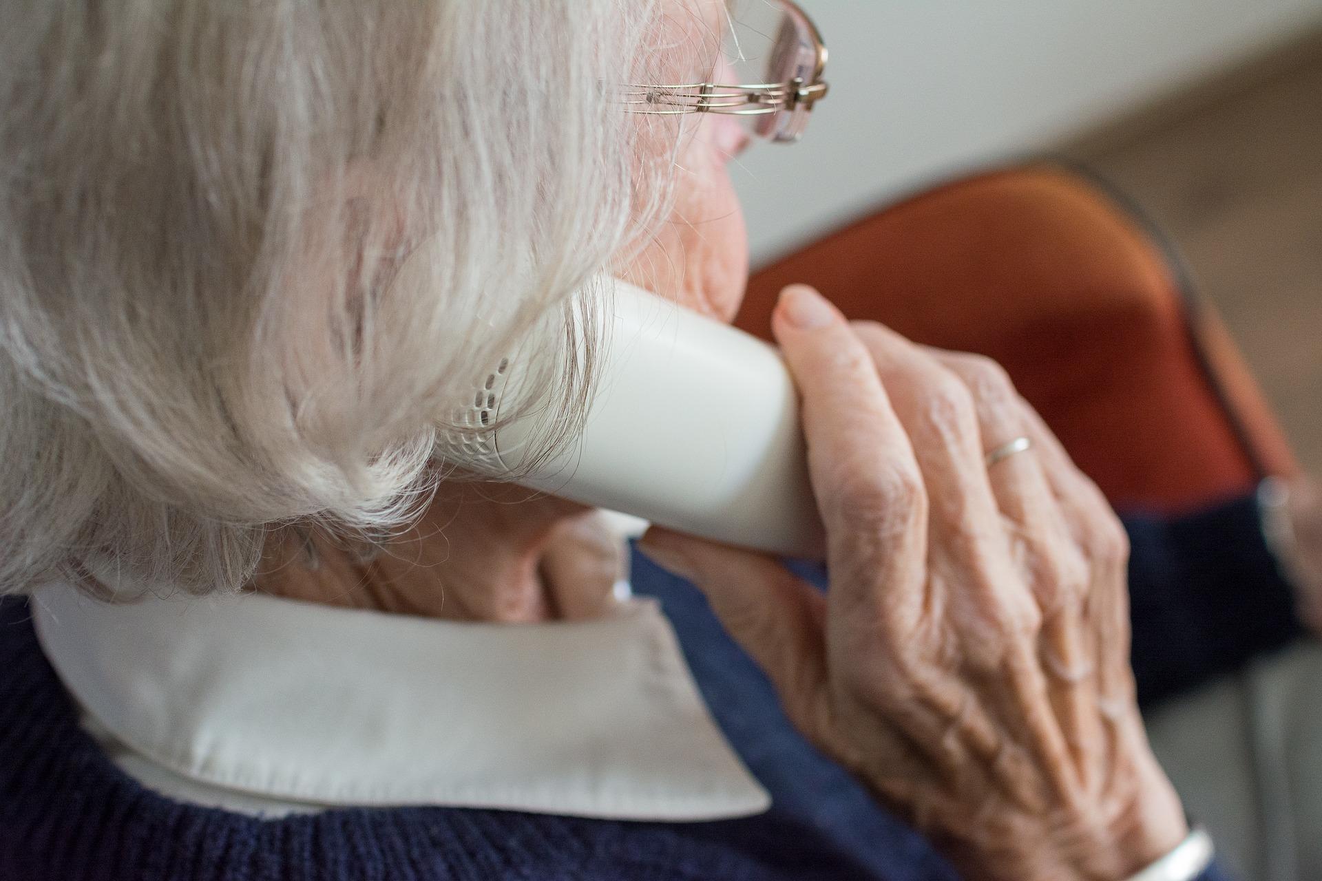 Опекунство над пожилым человеком – как стать опекуном в 2020 году?