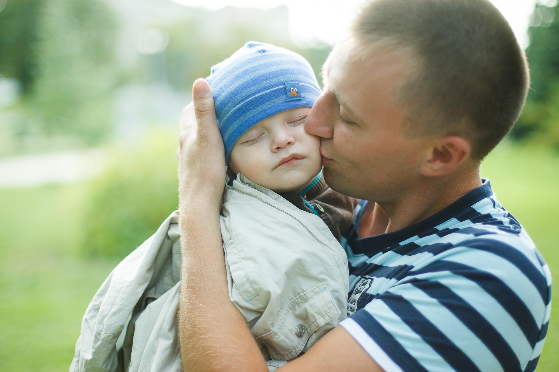 Важно знать, какие права на ребенка имеет отец после развода (2020 год)