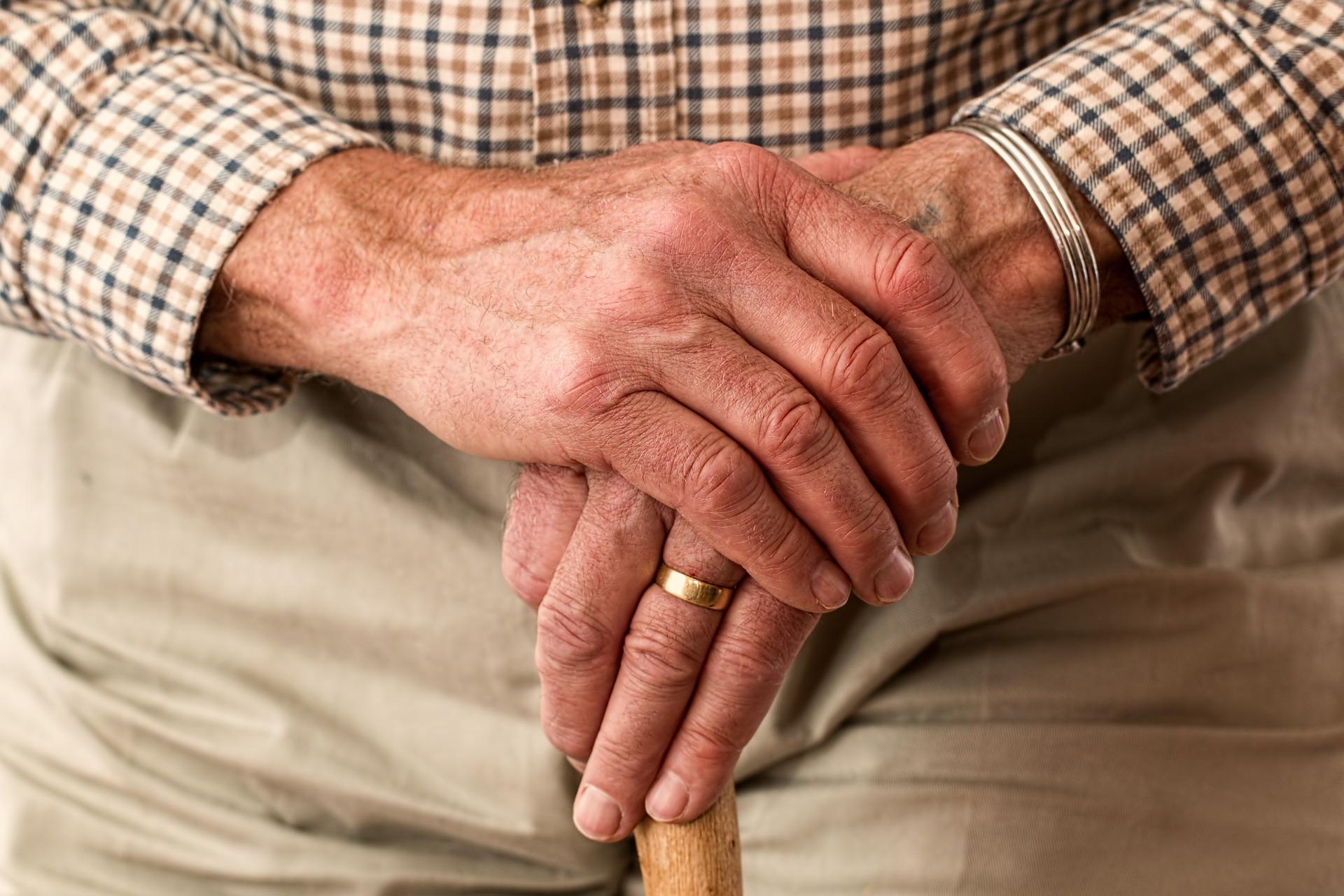 Доверенность на получение пенсии на почте банке и ПФР  как оформить и где найти образец